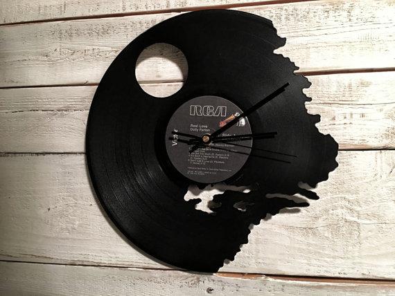 des horloges culture geek avec des vinyles blog sur la culture geek l 39 high tech et l. Black Bedroom Furniture Sets. Home Design Ideas