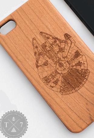Faucon-Millenium-Star-Wars-iPhone-6-iPhone-6-Plus-iPhone-5-5-s-bois-case-Starwars-Geek