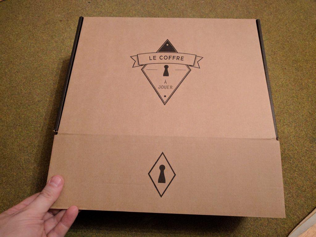 unboxing le coffre jouer de novembre braindegeek. Black Bedroom Furniture Sets. Home Design Ideas