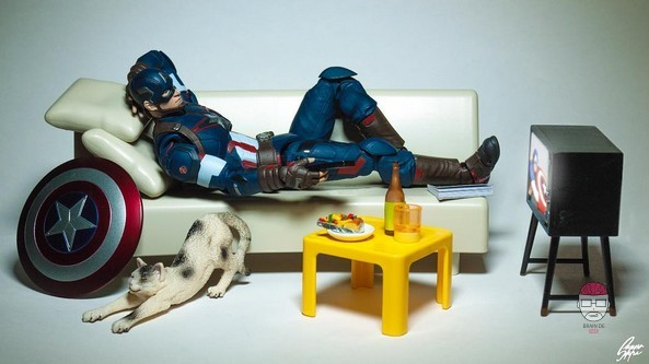 Captain america figurine