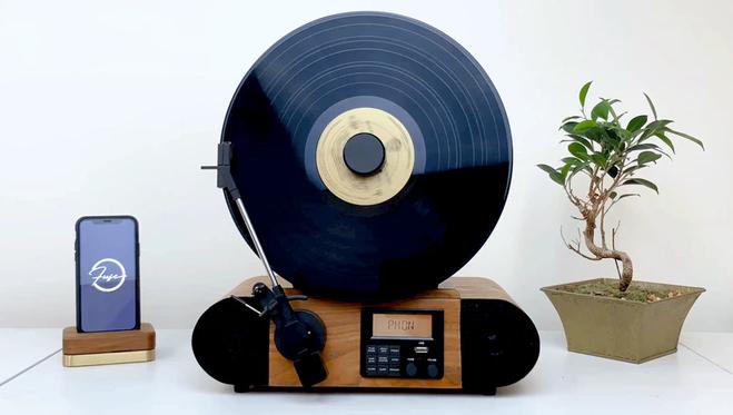 Fuse trouve le financement pour son lecteur vinyle vertical 1